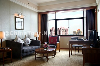 Business Executive Suite/Living Room