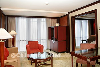 Club River View Suite/Living Room