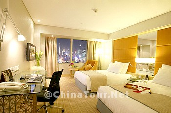 Deluxe City View Twin Bed Room
