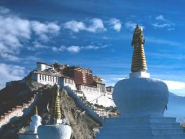 4 Day (3 Night) Potala Palace & Namtso Lake Tour Package pictures