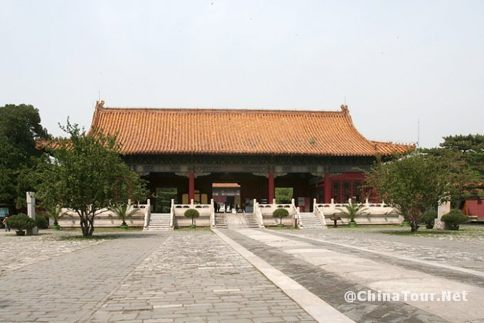 The Ling'enmen gate (Gate of Eminent Favor),Changling Tomb