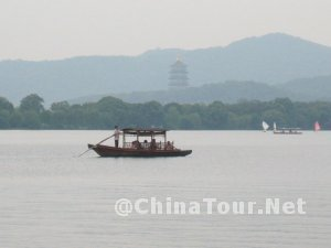 The boat on West Lake