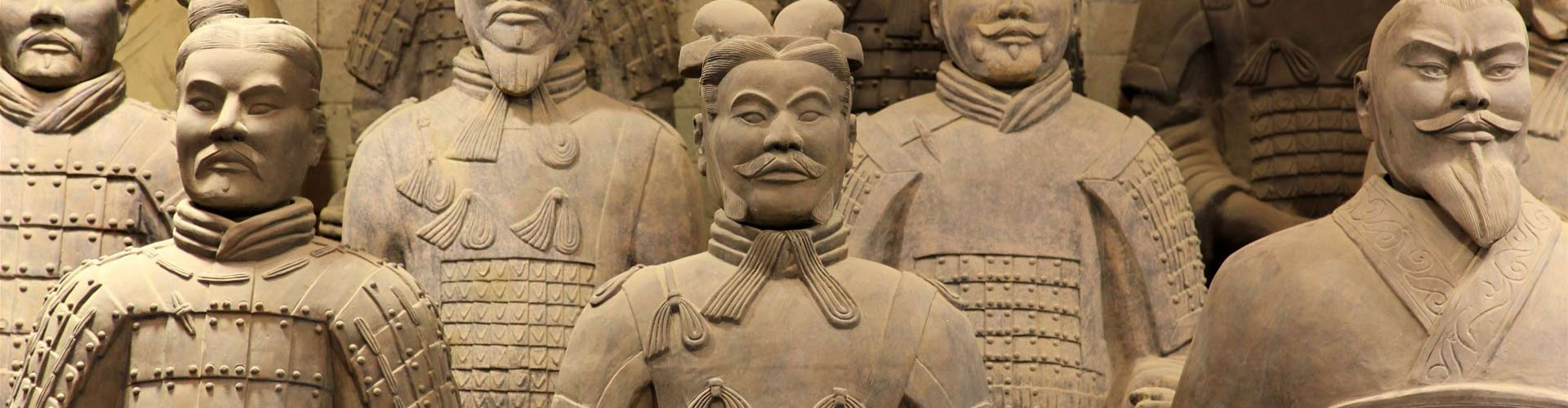 1 Day Coach/Private Tour: Terra-cotta Warriors and City Wall