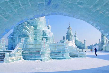 1 Day Tour: Ice Lantern and Snow Sculptures