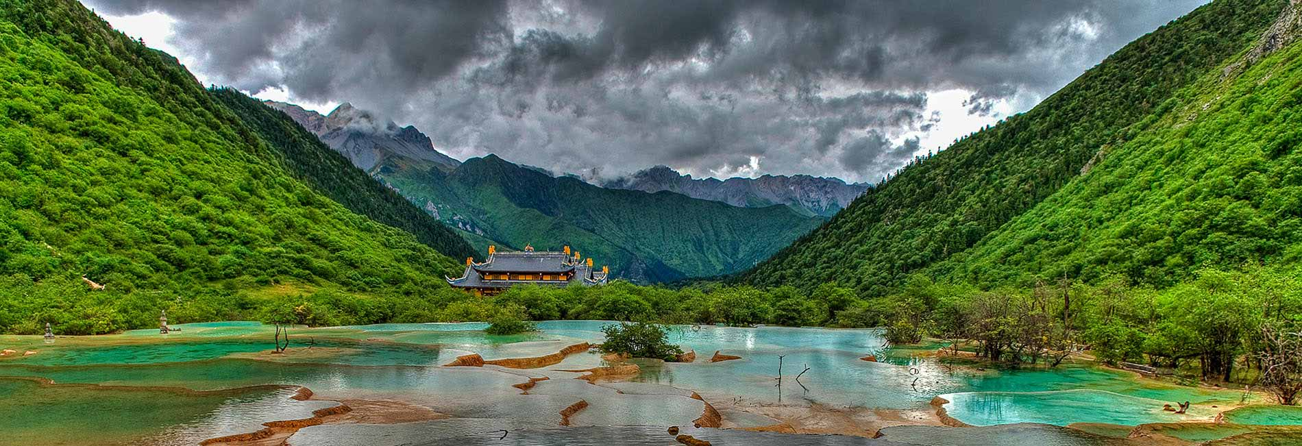 Jiuzhaigou Tour in Sichuan China